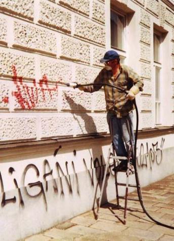 Čištění graffiti, památek