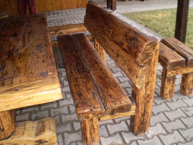 luxusní český nábytek z masivu