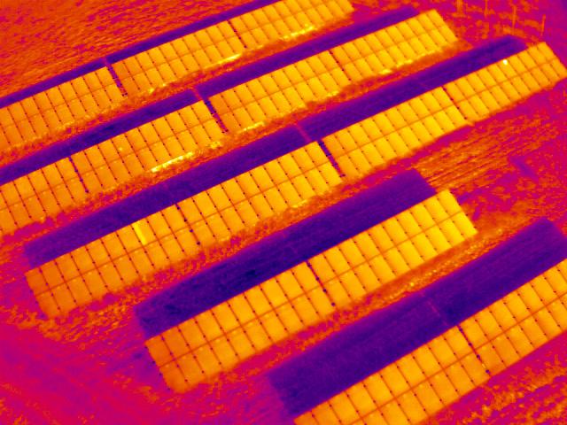 termovize solárních polí Optris PI 640