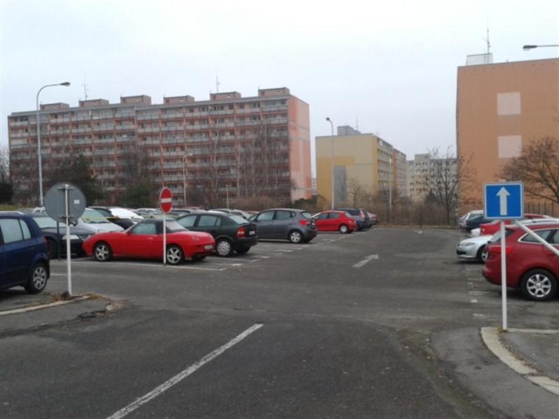 parkoviště Skuteckého