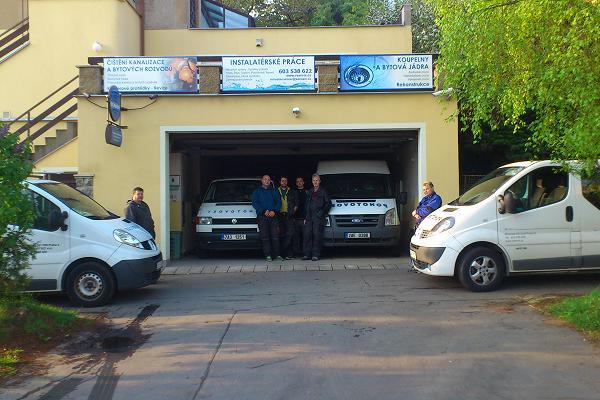 Foto výjezdních aut techniků firmy V-Servis