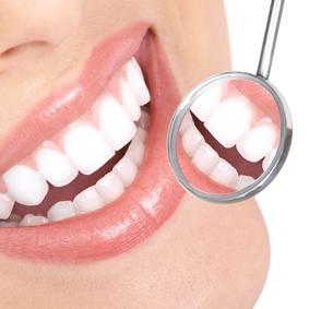 Foto zubů a zubního zrcátka