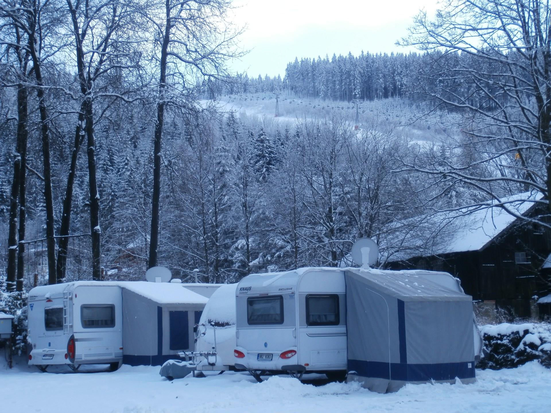 zažijte s námi zimní kempik