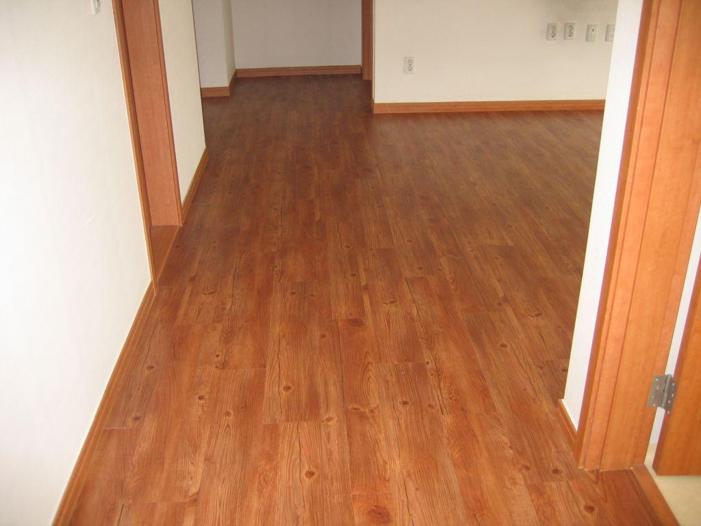Pisos vinilicos casa y oficinas for Pisos de bar madera