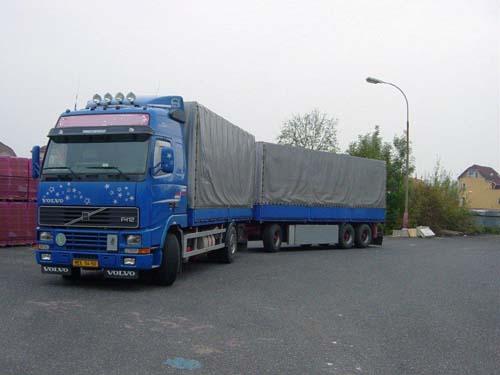 VOLVO - přeprava velkého množství materiálu