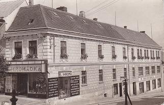 Lékárna U Hromádků - archivní foto