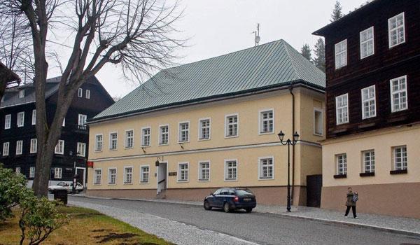 Horské lázně Karlova Studánka - Lázeňský objekt Pošta