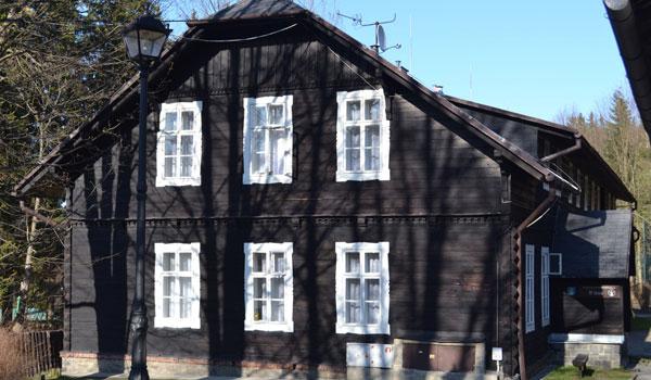 Horské lázně Karlova Studánka - Lázeňský objekt U lesa