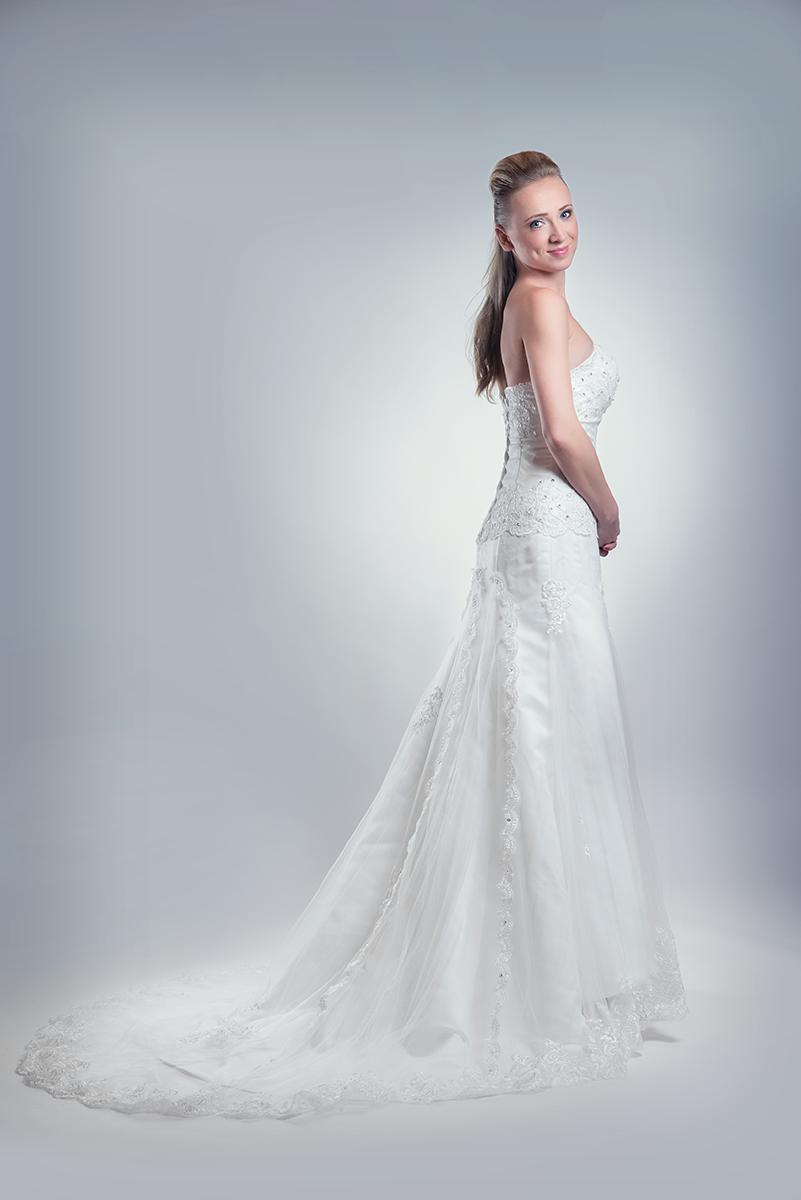 Svatební salon Hodonín, prodej a půjčení svatebních šatů