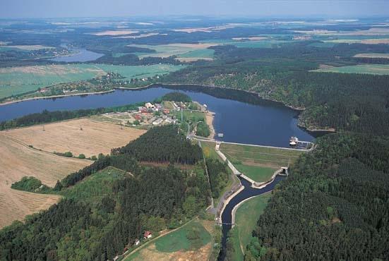 hracholuská přehrada