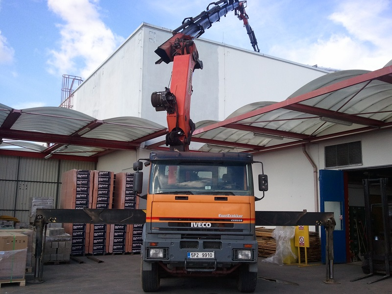 Auta s hydraulickou rukou TRIALSTAV Plzeň