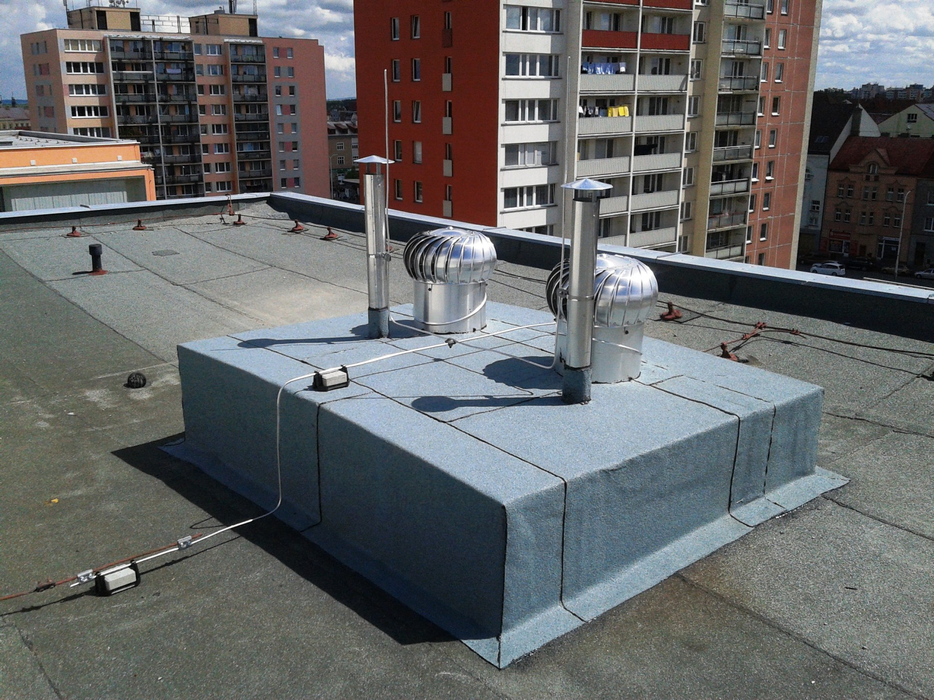 střecha panelového domu