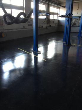 Ukázka naší práce: Oprava betonové podlahy v servisu Ostrava-Dubina po rekonstrukci,Tekel, s.r.o.