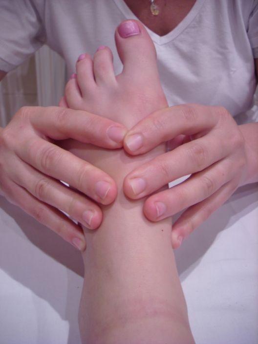 Reflexní masáž plosky nohou