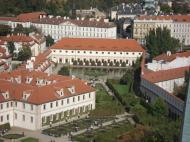 Valdštejnská jízdárna, Reference, A-Z Bau