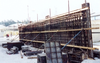 D-beton: Opěrná stěna v Chlumčanech