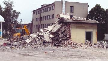 D-beton: Demolice objektů