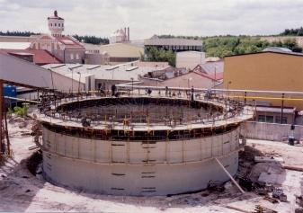 D-beton: systémové bednění - nádrž na kal