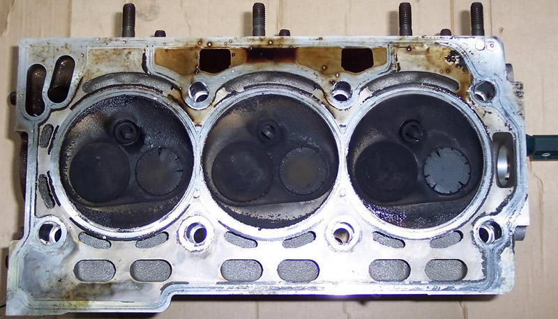 Poškozené výfukové ventily Fabia