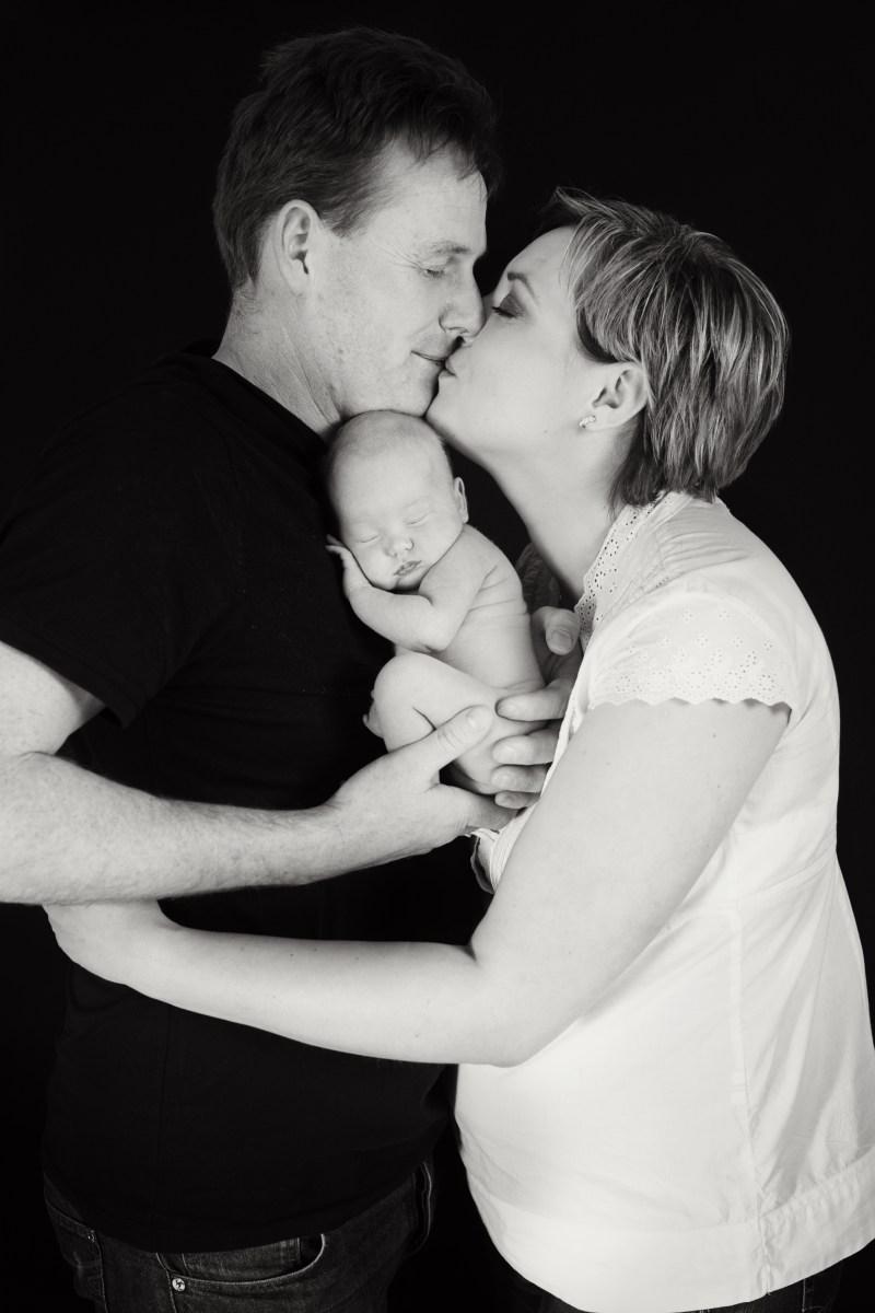 Šťastná rodina s miminkem