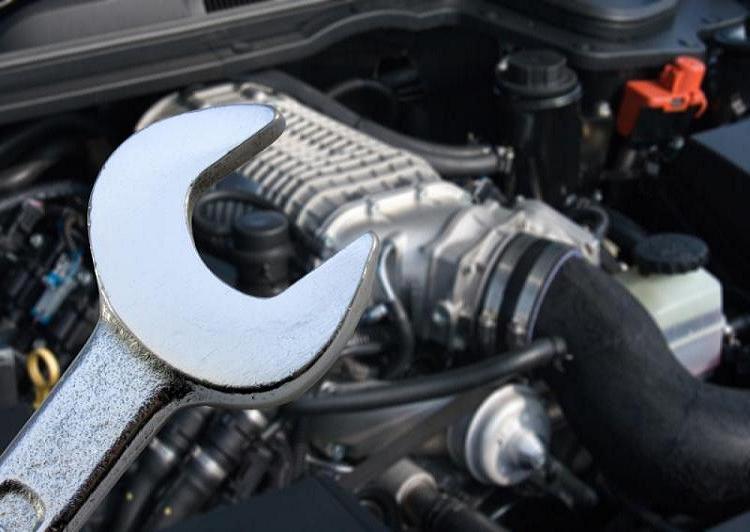 mechanické opravy, klempírna, lakovna, geometrie, pneuservis Teplice