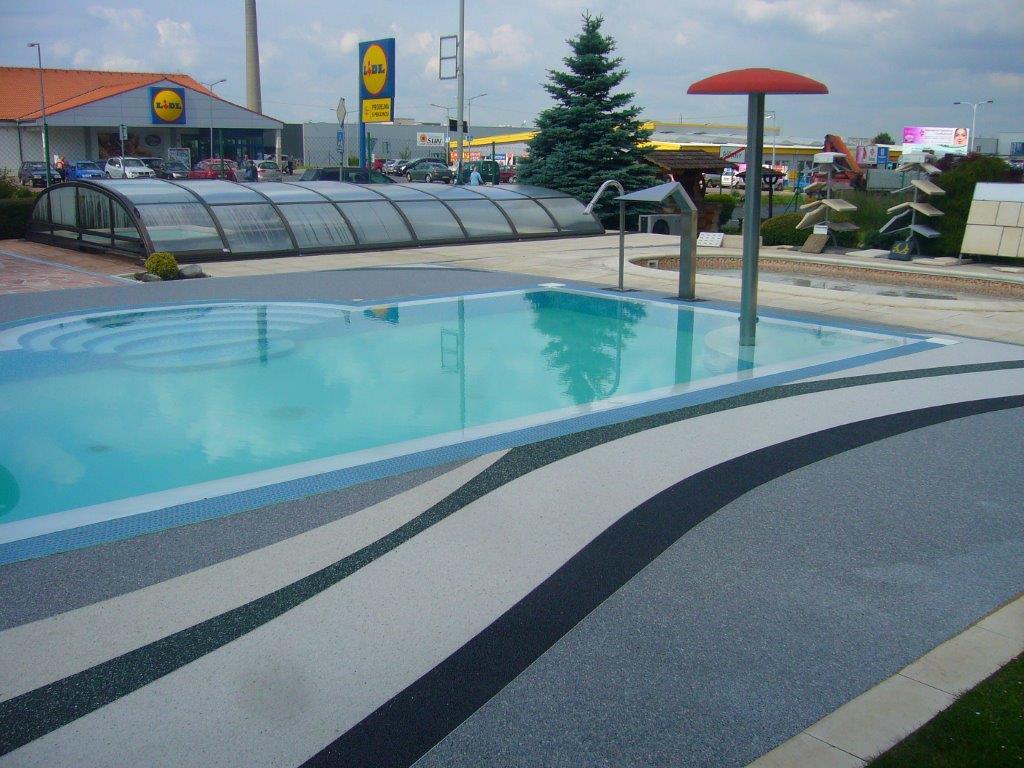 kamínková podlaha - bazén Říčany